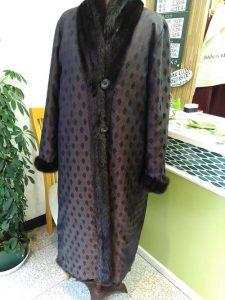 裏地を生かしたミンクのコート