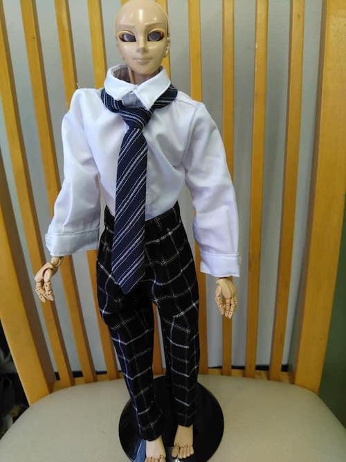 学生服のお人形