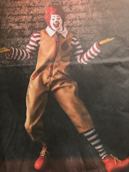 マックの人形写真