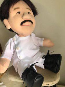 白衣姿のオーダーメイドのお人形