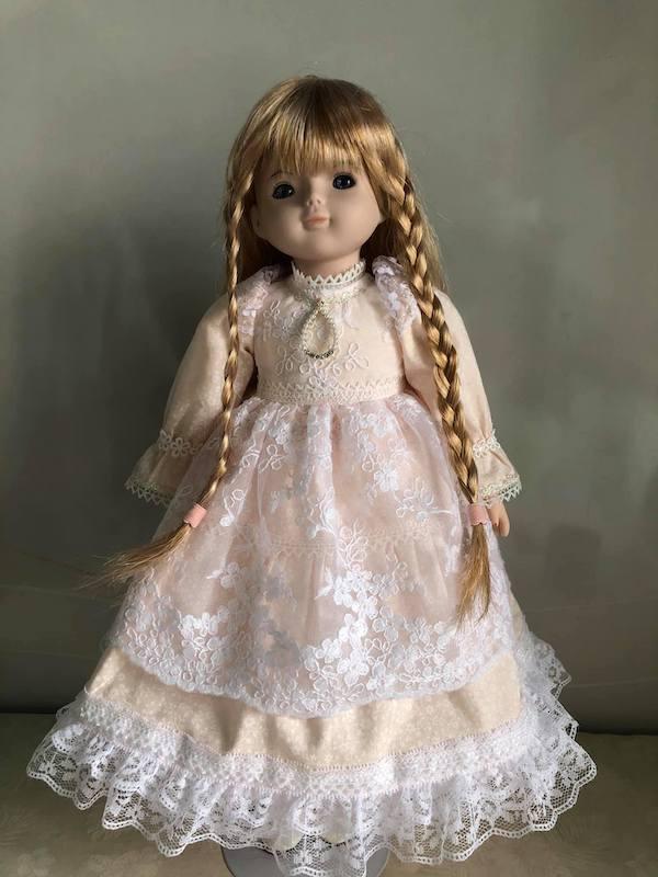 修理後)イメージ通りの優しいピンクのドレスが出来上がりました。本当に可愛くて、美人さん。