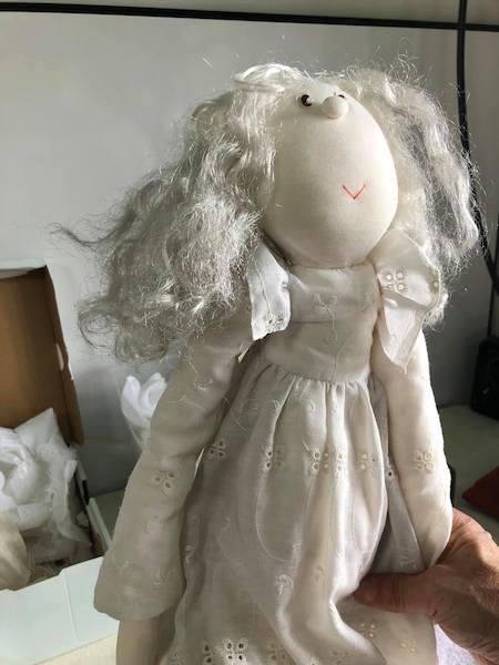 40年前の人形(修理前)