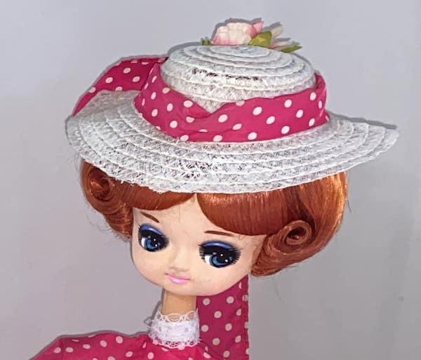 修理後の人形の帽子