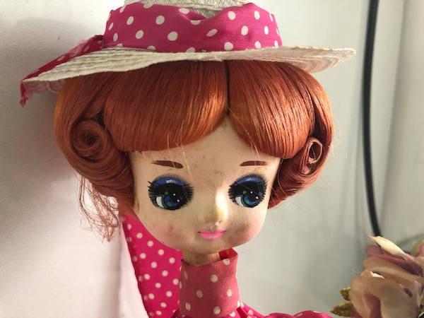 修理前の人形の帽子