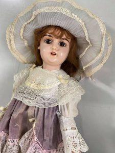 修理後 アンティークドレス優しく優しく洗ってみました。デザインもアンティークレースも素敵です。